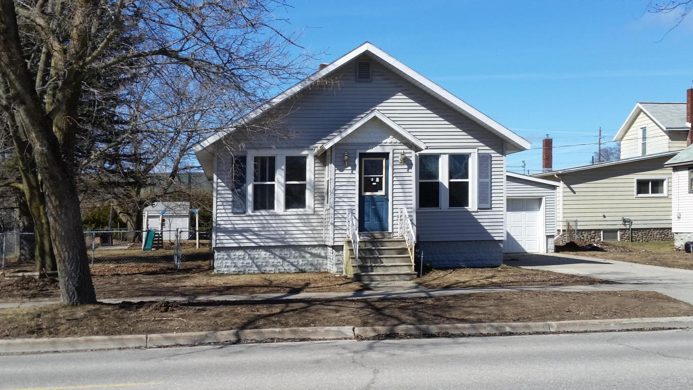 Photo of 609 S Ninth Avenue  Alpena  MI