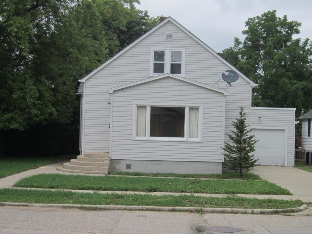 Photo of 330 E Orchard Street  Rogers City  MI
