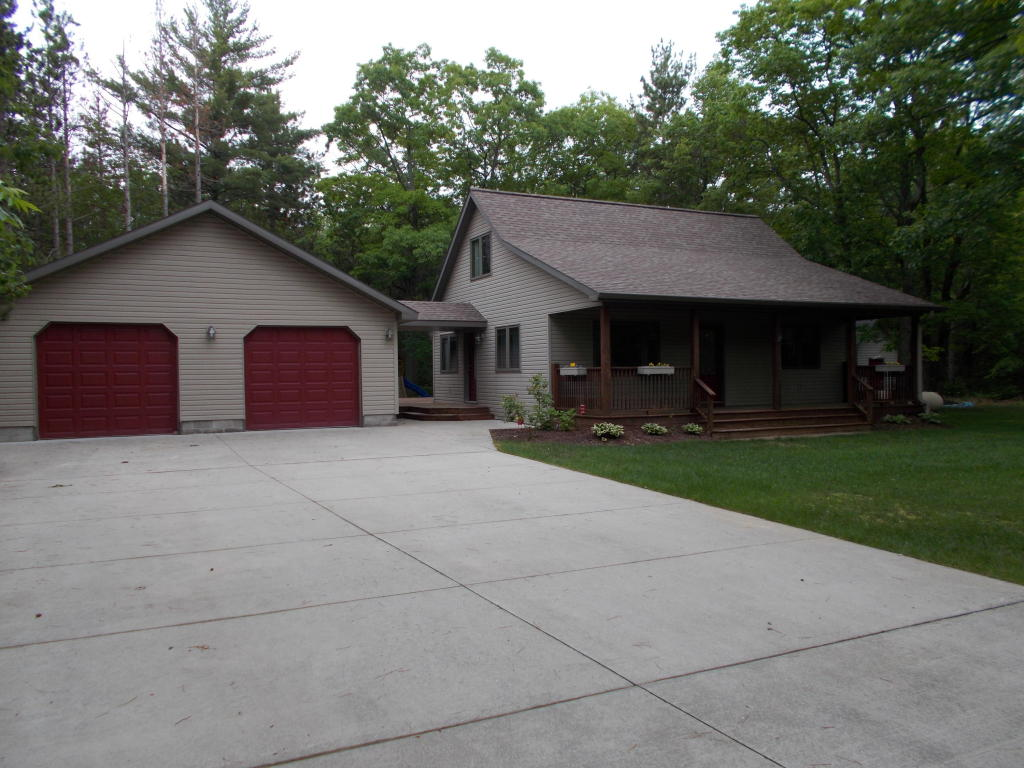 Photo of 15972 Spruce Drive  Presque Isle  MI
