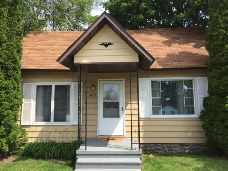 Photo of 307 E Jamet  Mackinaw City  MI
