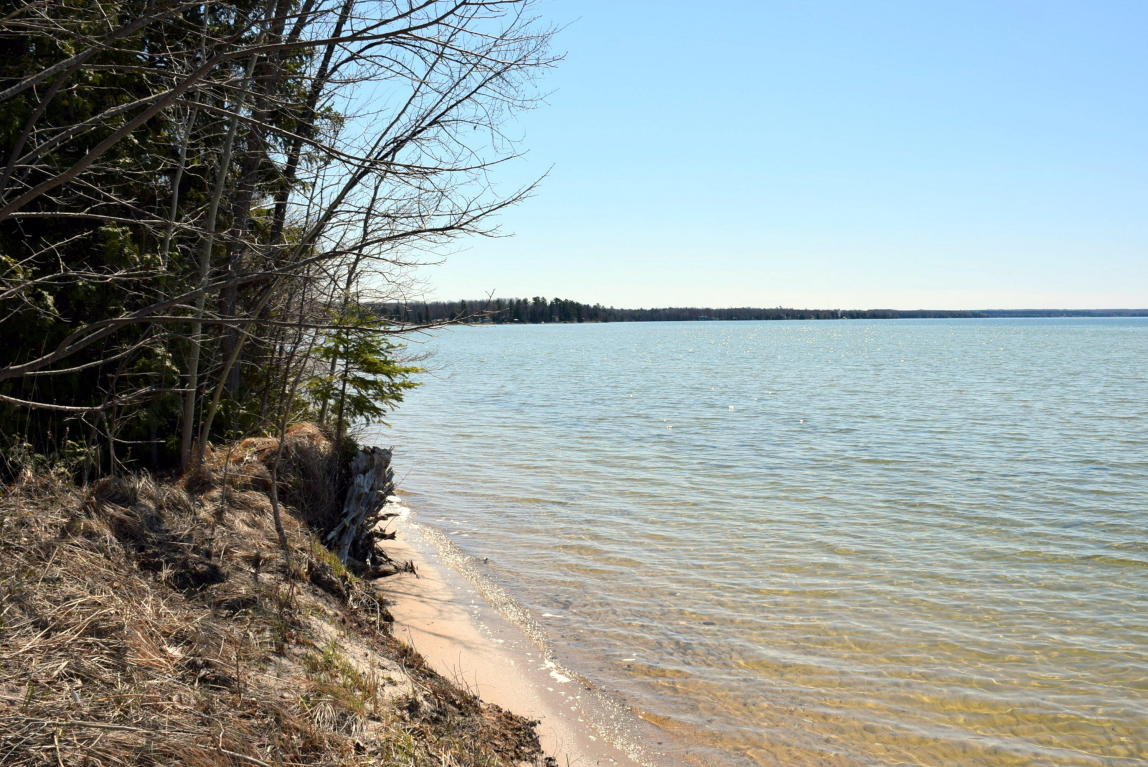 Residential land for sale cheboygan county mi land for Mullett lake fishing