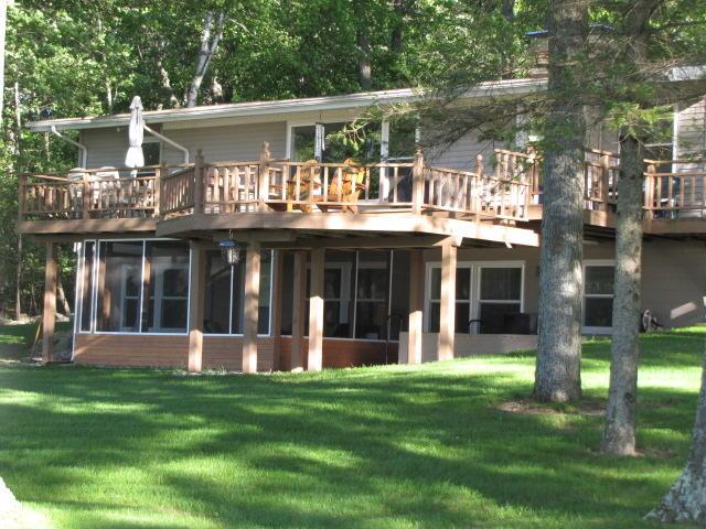 Photo of 327 WEIER Lane  Hubbard Lake  MI