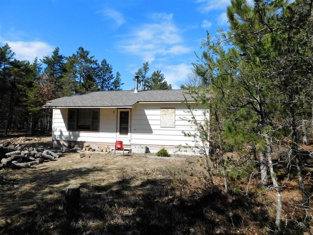 Photo of 661 Russell Road  Grayling  MI