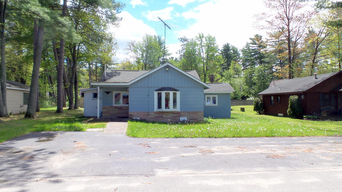 Photo of 6439 South Avenue  Indian River  MI