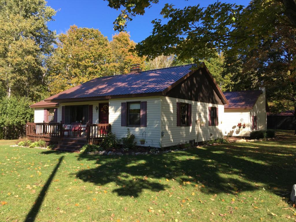 14438 Hebron Mail Route, Cheboygan, Michigan