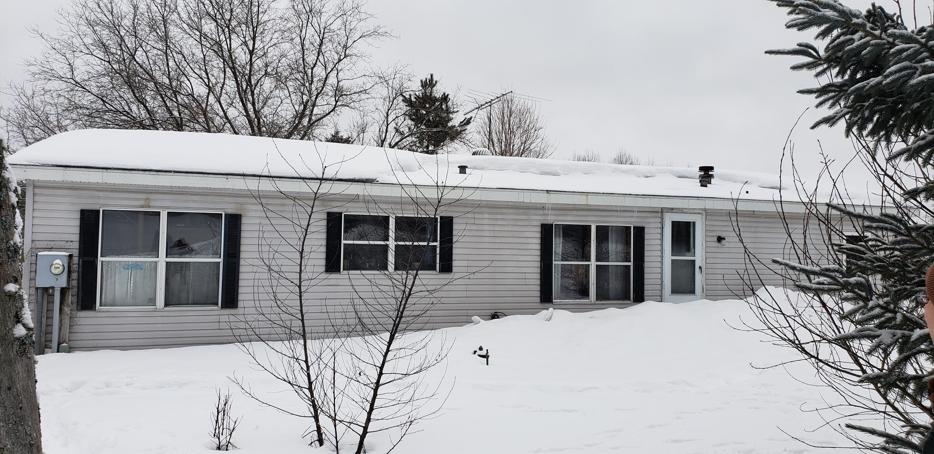 6815 Reams Road Alanson, MI 49706
